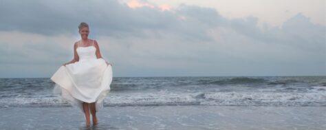 Per què els vestits de núvia són blancs?