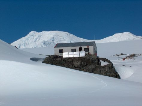 Quanta gent viu a l'Antàrtida?