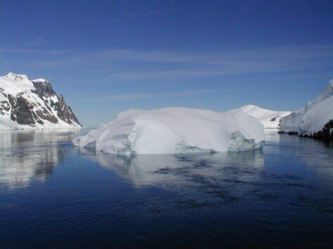 On hi fa més fred, al Pol Nord o al Pol Sud?