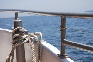 Per què es calcula la velocitat dels vaixells en nusos?