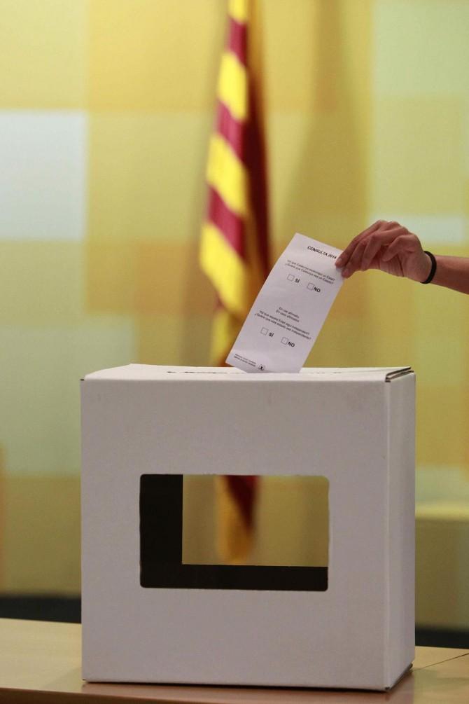 La primera urna electoral