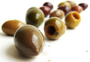 Com es fan les olives farcides?