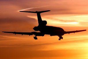 Quin és el vol regular més llarg del món? I el més curt?