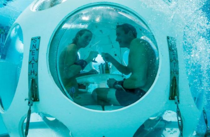 Sopant sota l'aigua